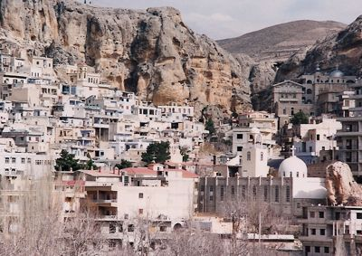 http://www.travelswithsheila.com/heritage/Maaloula%20town.jpg